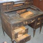 Psací stůl před restaurováním