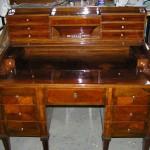 Psací stůl po zrestaurování